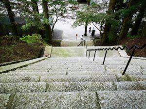 激急な階段