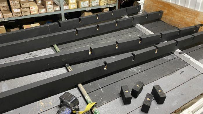 棚の柱(2x4材)