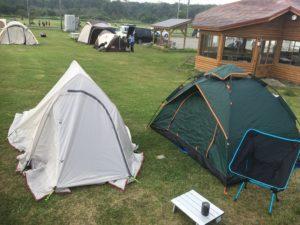 右のが僕のテント