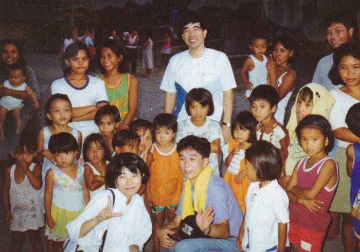 フィリピン難民キャンプにて